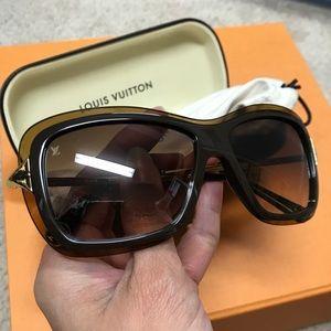 💯 authentic Louis Vuitton sunglasses